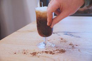 Caffè con panna corretto