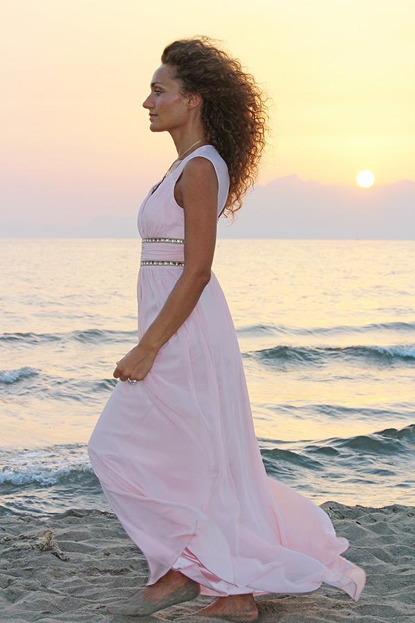 Matrimonio Spiaggia Come Vestirsi : Come vestirsi per un matrimonio in spiaggia consigli